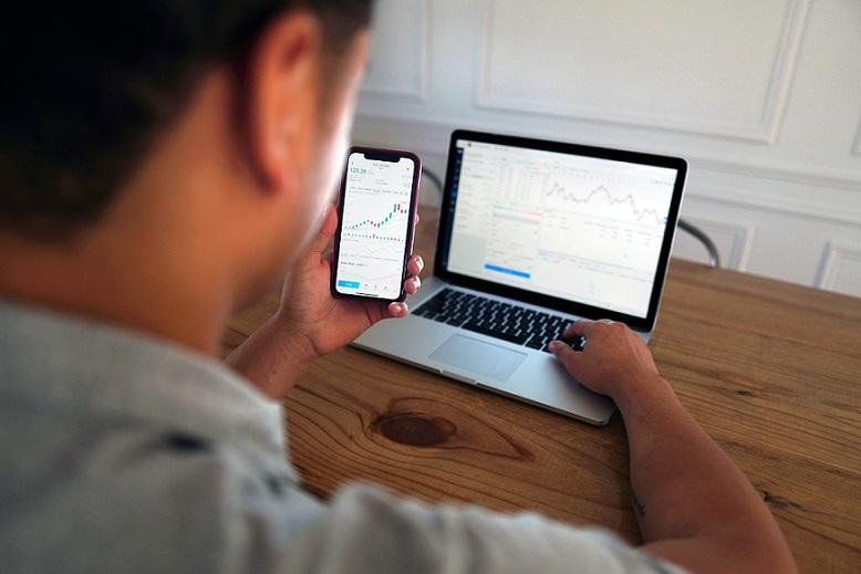 Sollte ich trotz Allzeithoch an der Börse investieren?